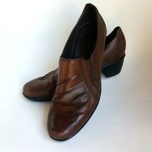 Clarks Shoes - 11 M Leather Clarks Booties Brown Ankle Shoe